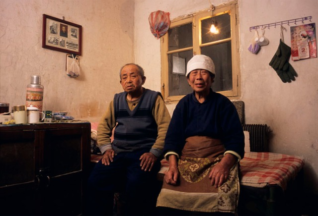 China - Liaoning - Shenyang, Couple relocated from Tiexi to apartment building